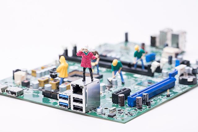 好用的电子行业管理软件怎么选?